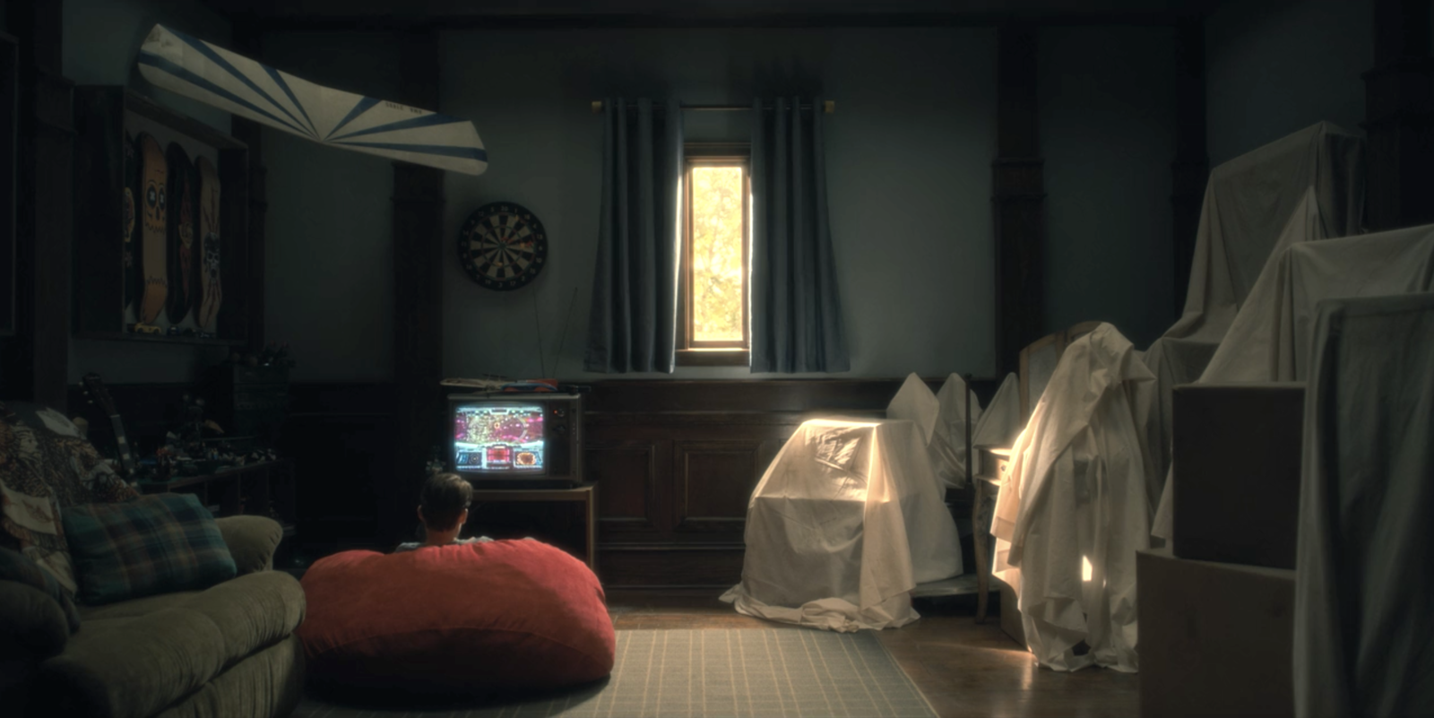 Haunting Of Hill House Foreshadowed The Red Room A Bunch Of Times And It S So Creepy