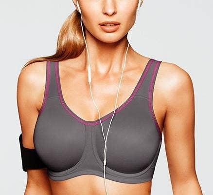 c0e0bf6fe6a1f 22 Sports Bras People With DD+ Boobs Actually Swear By