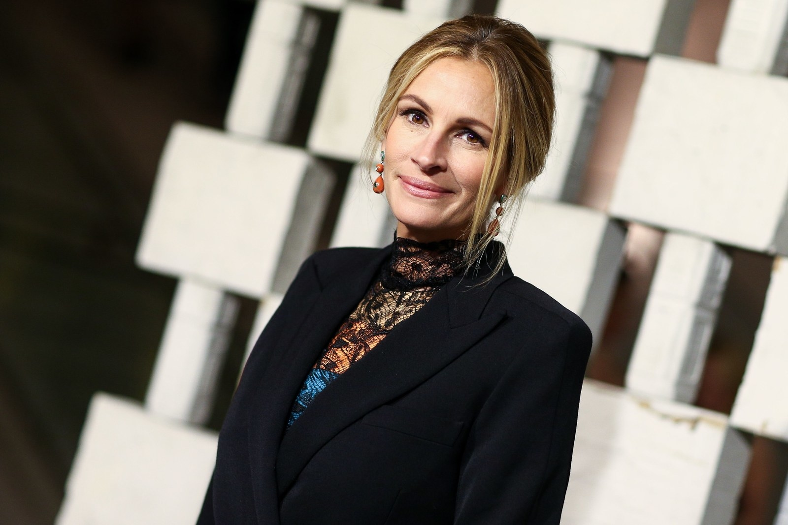 Julia Roberts Is Done Being America's Sweetheart