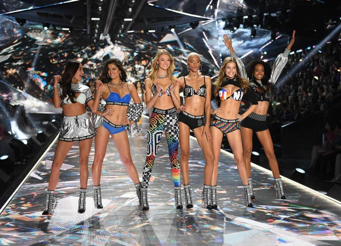 9e3dc46560 Rihanna Just Shaded The Victoria s Secret Fashion Show For The Best ...