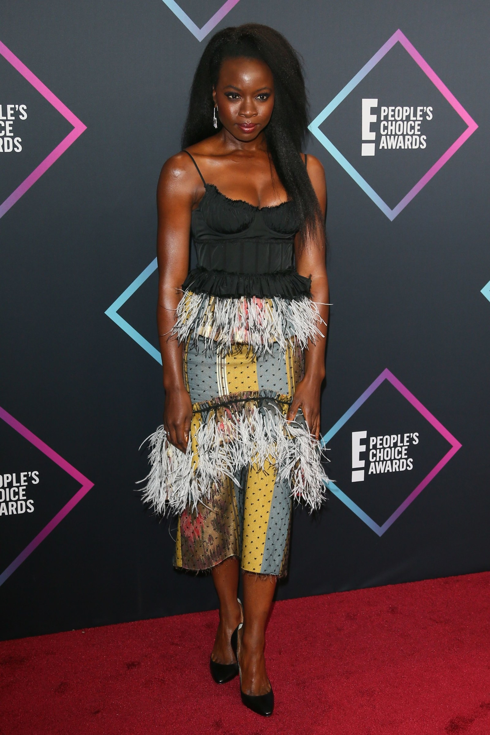 Red Carpet Fashion At The People's Choice Awards