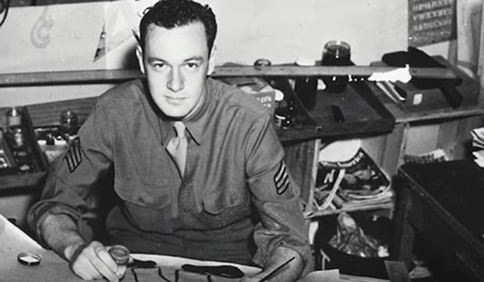 Lee served in the US Army Signal Corps during World War II from 1942 to 1945.
