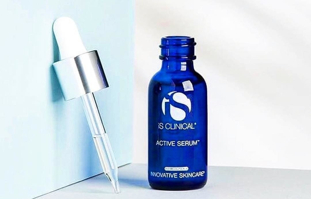 The serum and its dropper