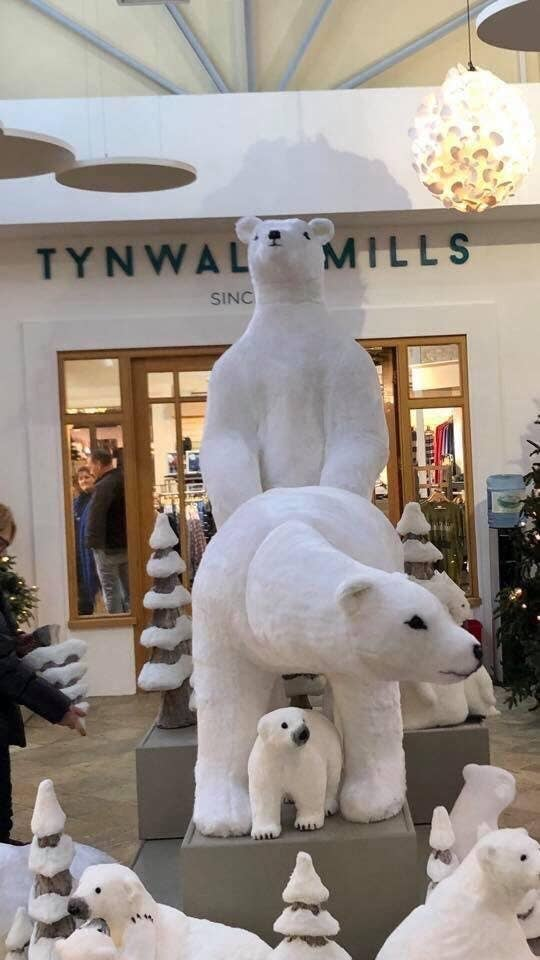 The display featured two adult polar bear figures in a very suggestive position.