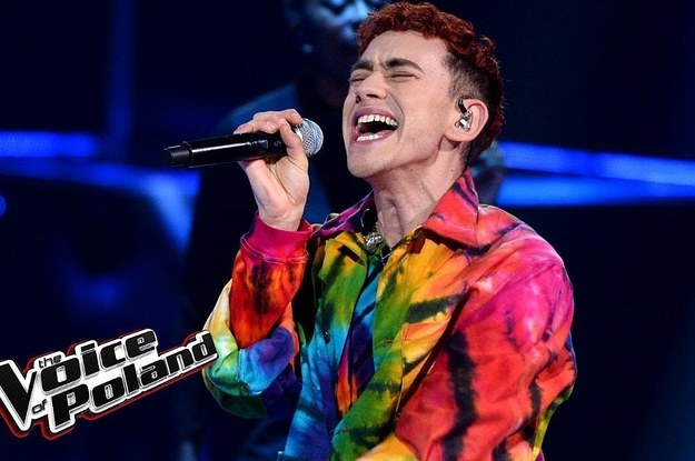 olly from years years wore rainbow clothing on po 2 3005 1542727634 0 dblbig