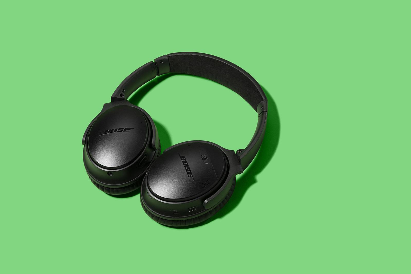 Bose headphones in black