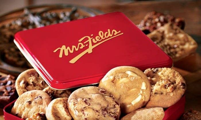 Located right in Toronto's Eaton Centre, Mrs. Field's Cookies is always a good choice to pick up a yummy treat. It is also convenient for you to stop by on your way home, on your way to class, or if you happen to be shopping around the mall.