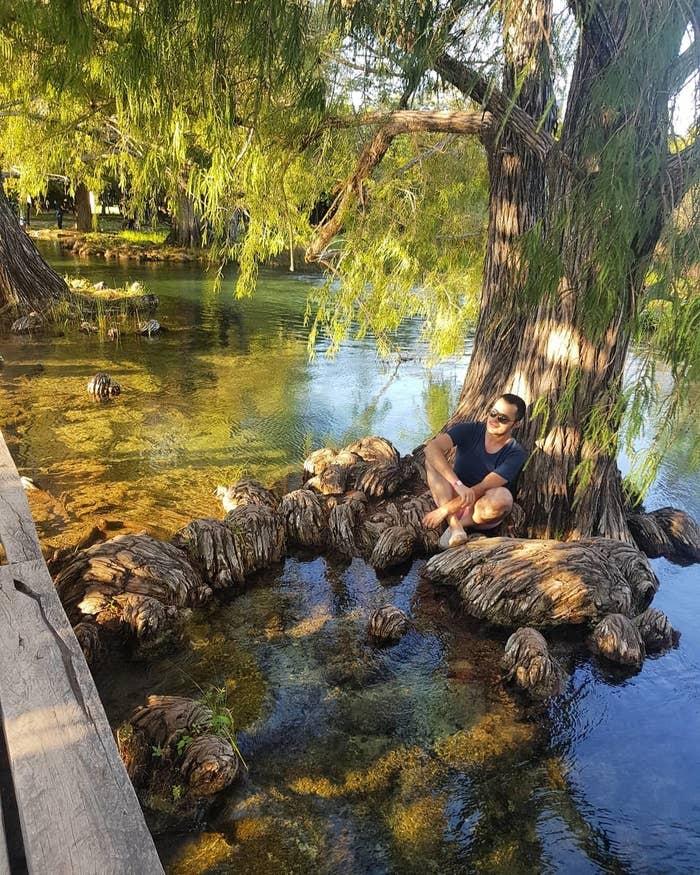 """A unos 15 minutos de la frontera con Guatemala encontrarás este conjunto de 44 lagos de un tono verde azul bastante peculiar. Ahí mismo se ubica una zona arqueológica llamada """"El Lagartero"""", que, aunque es pequeña, está prácticamente intacta."""