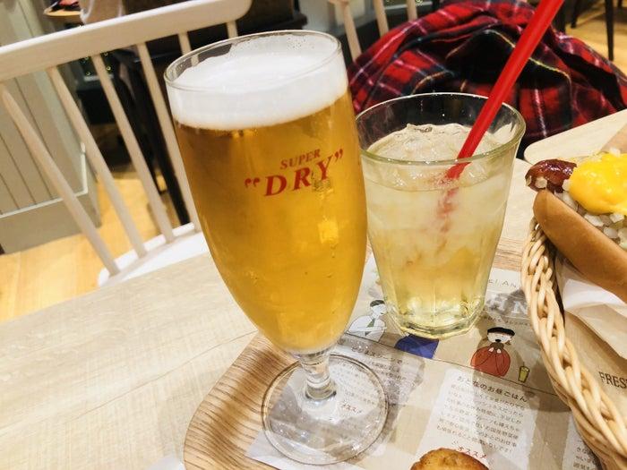 酒はビールとハイボール1杯ずつが1人分。つまり2人で飲みに来たので、これをもう1セット頼んだ。