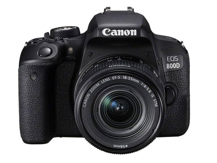 El regalo perfecto para los amantes de la fotografía. Además viene con pantalla táctil y conexión Bluetooth, para que no tenga excusa cuando le pidas que te pase las fotosPrecio: 539€ (precio original: 899€)