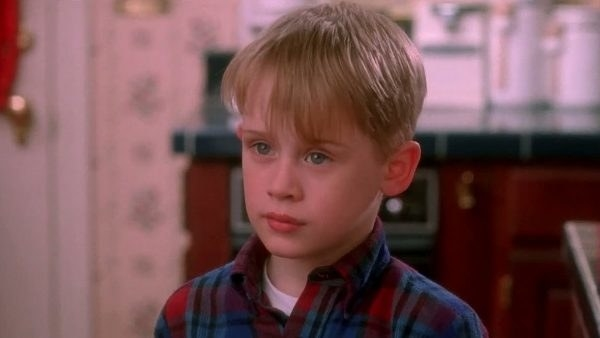 Macaulay Culkin as Kevin McCallister in  Home Alone : - Fun fact:  Director Chris Columbus  auditioned 200 kids  before he casted Culkin as Kevin.