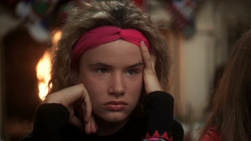 Juliette Lewis as Audrey in  National Lampoon's Christmas Vacation : - Fun fact:  Juliette Lewis reunited with her  Christmas Vacation  parents for a series of  Old Navy commercials  in 2012.