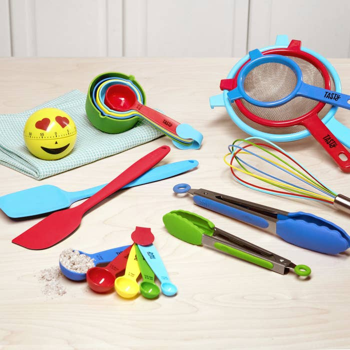 It doesn't get much better than this, friends. Whether the person you're shopping for just moved into their own place or could really use a replacement of kitchen basics, this set is a freakin' bargain. It comes with an adorable emoji timer, a 10-piece measuring spoon and cup set, spatulas, a whisk, tongs, and a three-piece strainer set. What more could you want?Get it from BuzzFeed's Tasty collection for Walmart for $14.88.