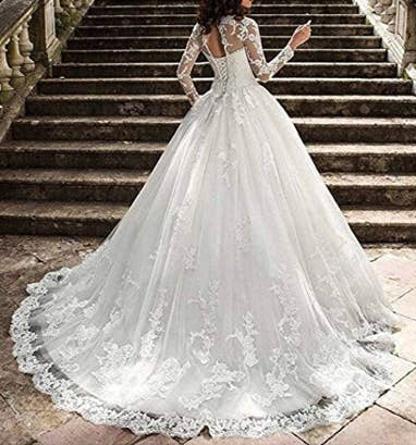 23 Incredibly Gorgeous Wedding Dresses With Sleeves e724b33e3