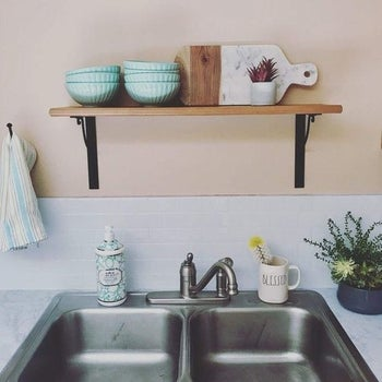 reviewer's kitchen wall with the tile backsplash