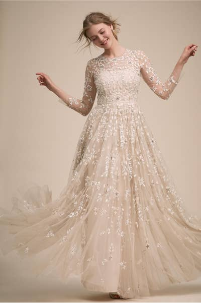 6b6603ba48 23 Incredibly Gorgeous Wedding Dresses With Sleeves