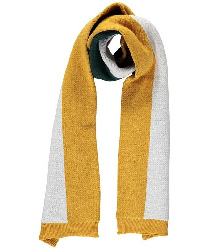 c6e9d2f17c2 30 Scarves To Keep You Cozy All Winter