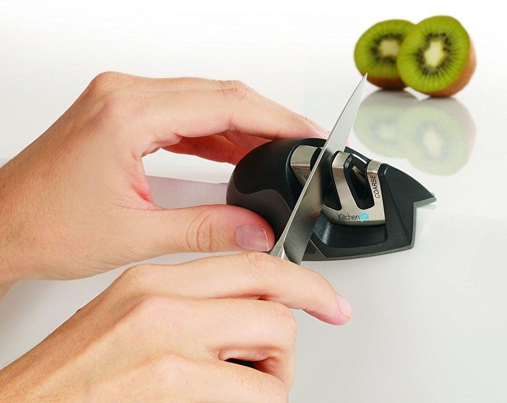 Model sharpening knife with sharpener