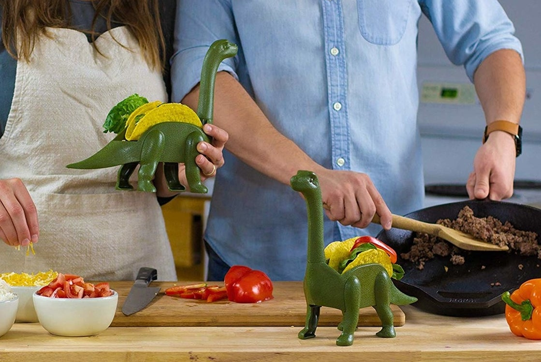 the dinosaur taco holder