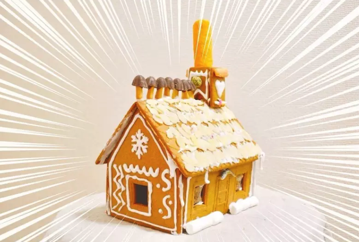 IKEAで期間限定で売っていたお菓子の家キットを使ったんですが、めちゃくちゃ楽しいんですよねこれ。童心に返って夢中になっちゃうやつ。