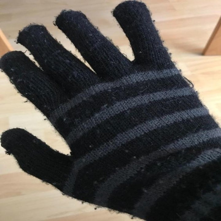 reviewer's knit glove looking fizzy and pilled