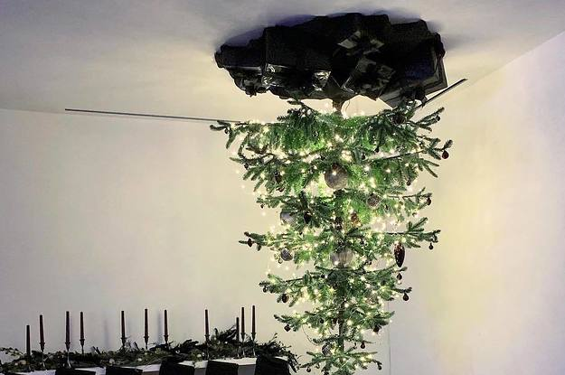Upside Down Christmas Tree Ceiling.Ariana Grande S Christmas Tree Is Upside Down And On The