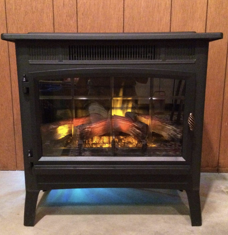 Reviewer photo of the fireplace