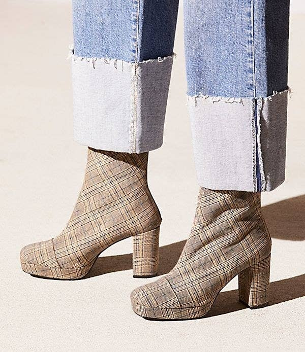 bdf17960f0f7c 33 Must-Have Booties For Your Winter Wardrobe