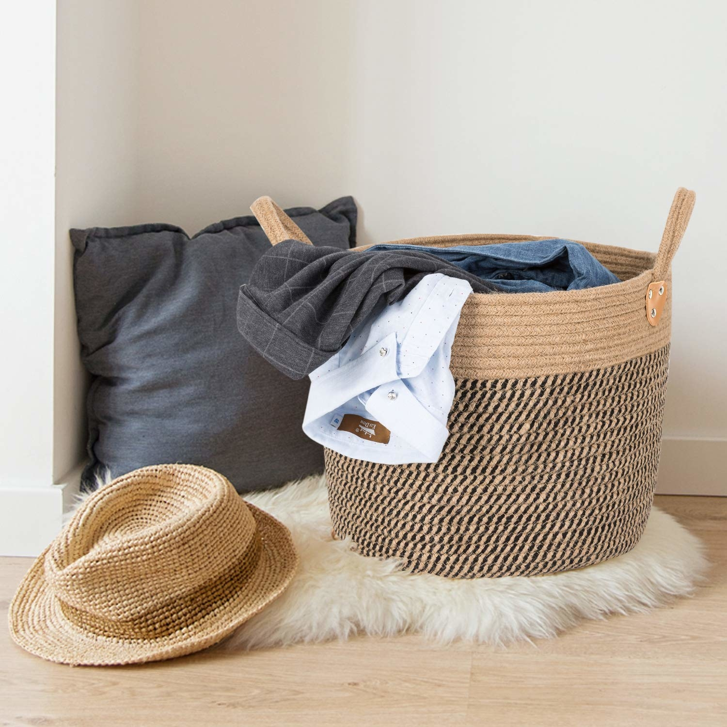 the jute basket with dirty clothes in it