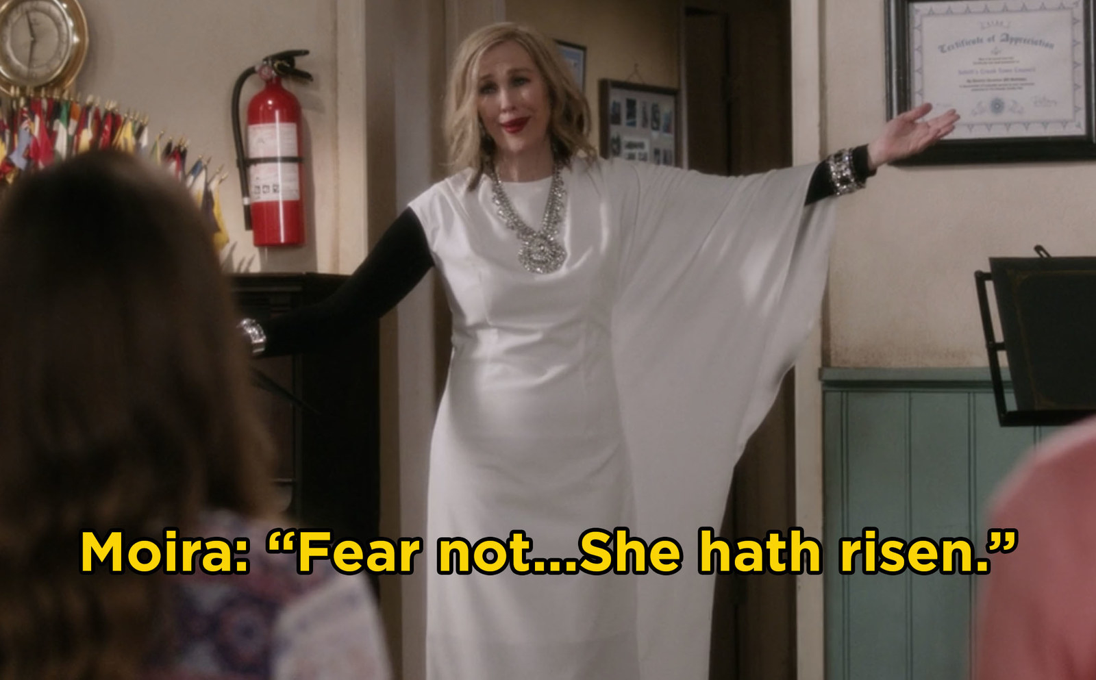 Catherine O'Hara continued to prove why she's one of the funniest actors ever because Moira Rose in  Schitt's Creek  still made us laugh hysterically. -  In Season 4 of  Schitt's Creek , Moira was ecstatic to learn that the internet thought she was dead and that was just the beginning of Catherine O'Hara's hilarious season.