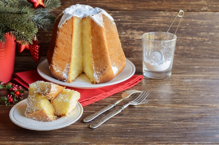 ¿Qué es? De Verona para el mundo, se trata de un divino pancito dulce de vainilla y mantequilla, presentado con la forma de una estrella de ocho picos y que, generalmente, viene servido con azúcar nevada encima.