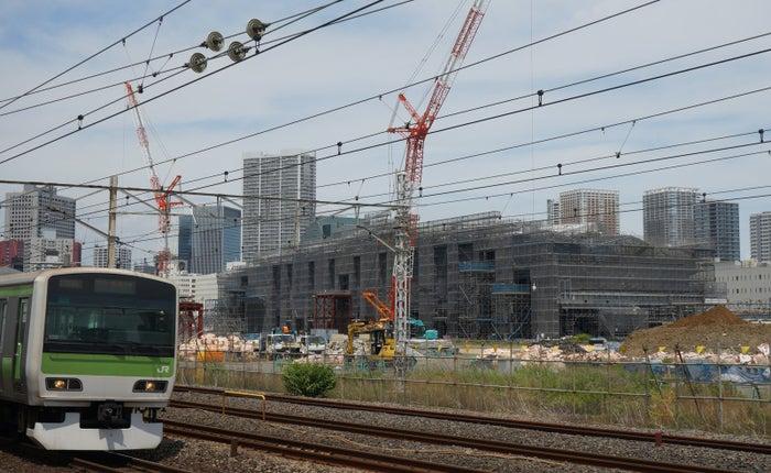 建設中の「高輪ゲートウェイ」駅(2018年6月撮影)