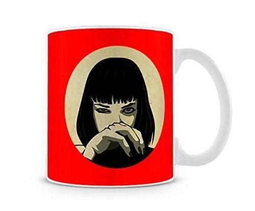 """Quem é fã de """"Pulp Fiction"""" certamente adora a Mia Wallace e vai adorar tomar seu café da manhã acompanhado por ela."""