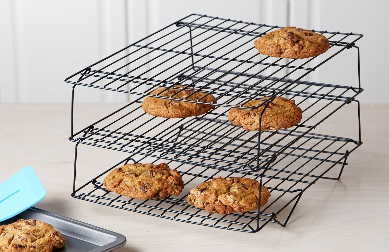 Rack folds flat for easy storage and is made of BPA- and PFOA-free non-stick coating.Get it from BuzzFeed's Tasty line, exclusively at Walmart for $8.87 (originally $12.99).