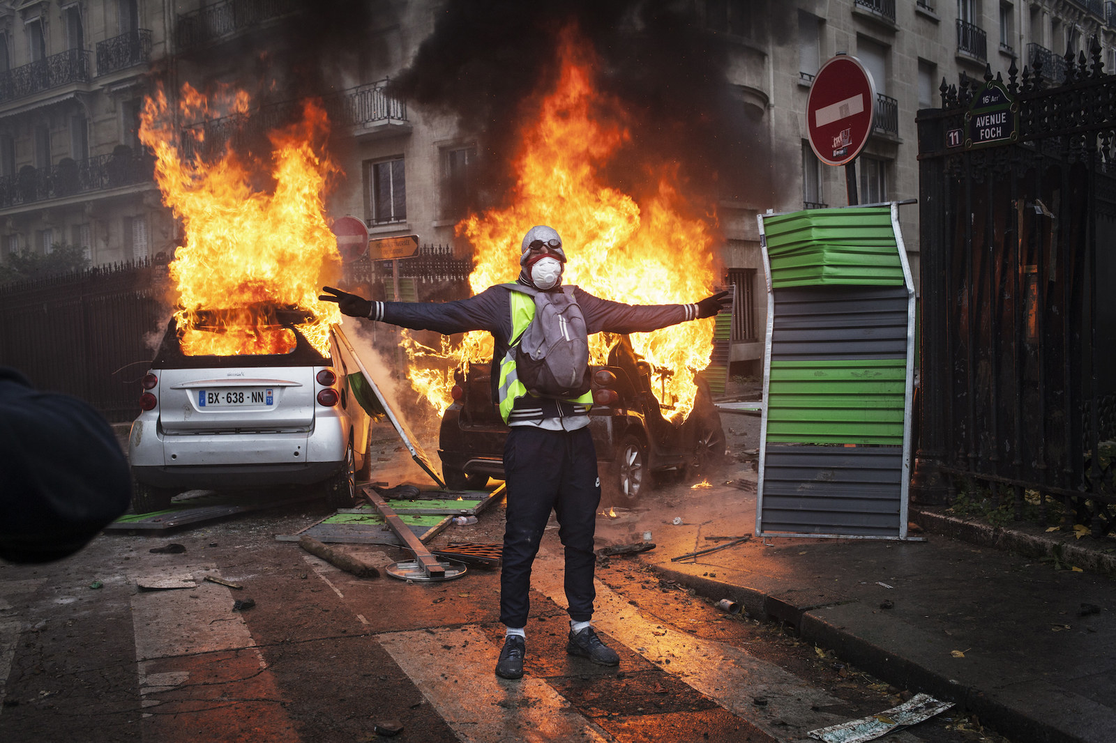 "The ""Yellow Jackets"" Riots In France Are What Happens When Facebook Gets Involved With Local News"