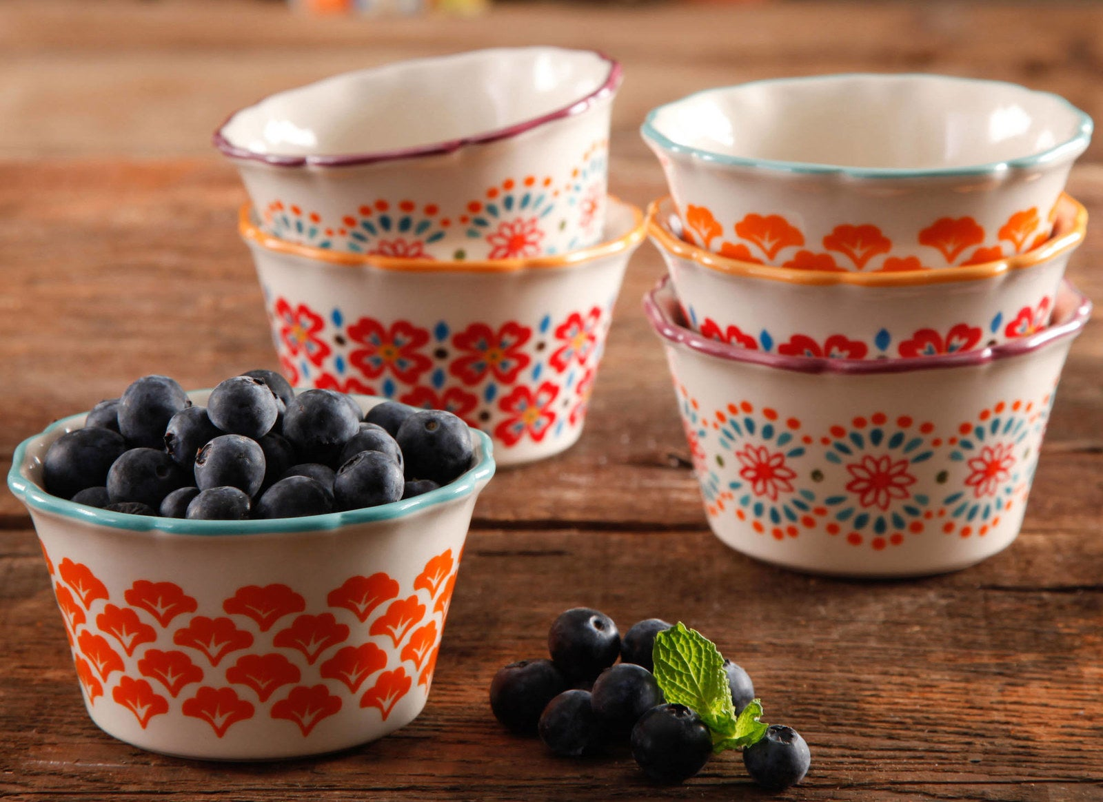 Made of durable stoneware that is dishwasher-, microwave-, and oven-safe!Get them from Walmart for $9.99 (originally $11.52).
