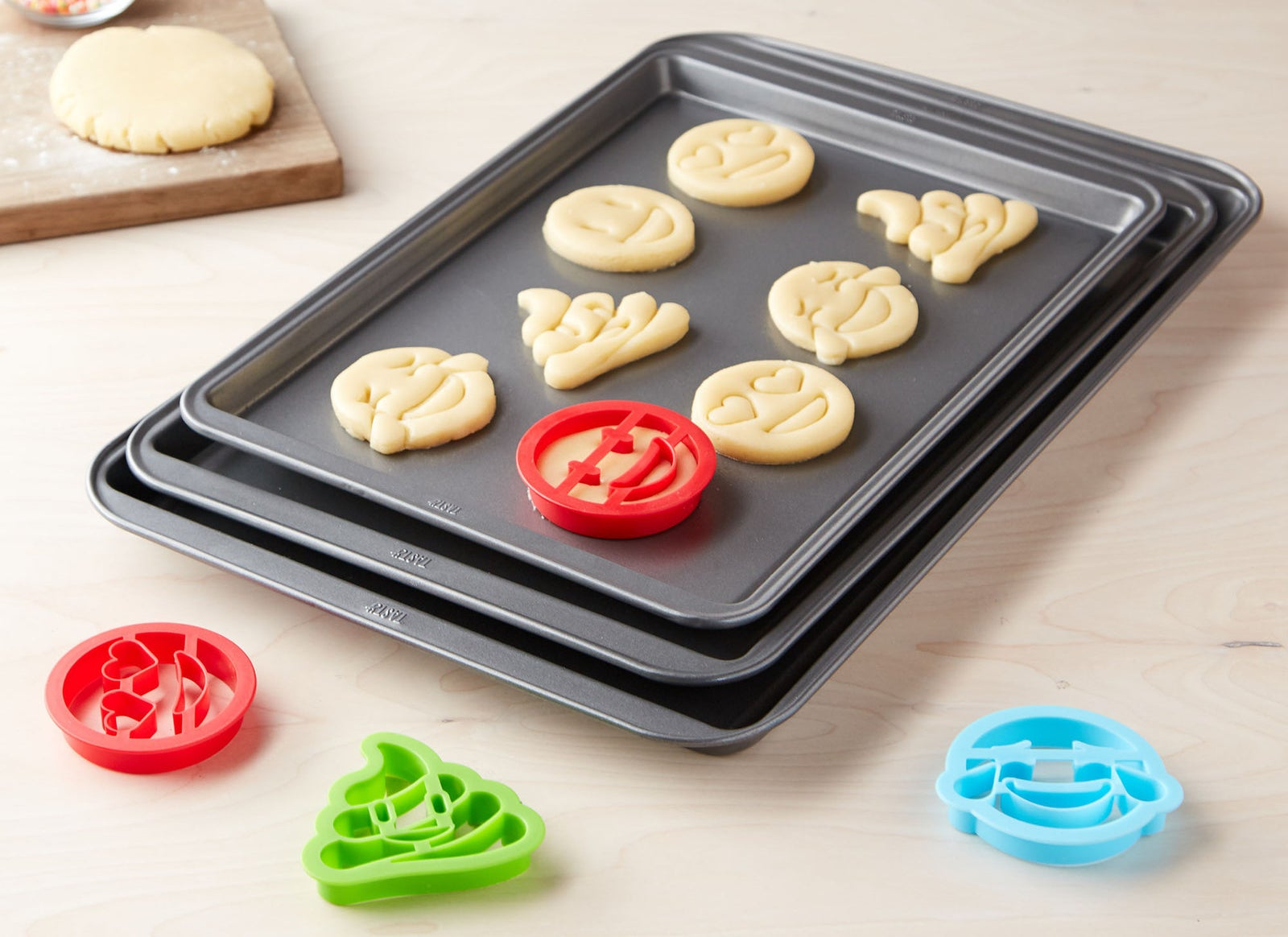 Set includes one small cookie sheet, one medium cookie sheet, one large cookie sheet, and four emoji cookie cutters. Carbon steel pans mean your cookies will bake and brown easily. These are made with non-stick coating and are BPA- and PFOA-free. Plus, they're dishwasher-safe!Get them from BuzzFeed's Tasty line, exclusively at Walmart for $8.97 (originally $13.99).