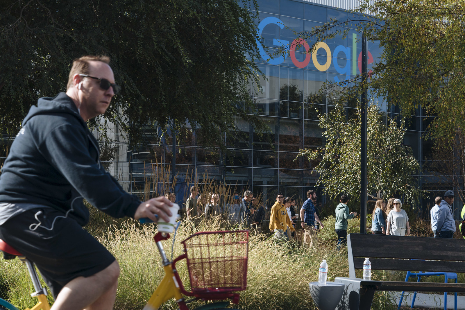 Google employees walk off the job to protest the company's handling of sexual misconduct claims on November 1, 2018, in Mountain View, California.