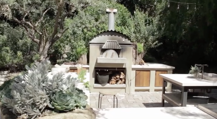 Like, honestly, can't you picture barbecuing, drinking sangria, and chatting with Patrick Dempsey and his friends out here??? I can't either, but it's nice to dream! -  Watch the  full tour on YouTube .