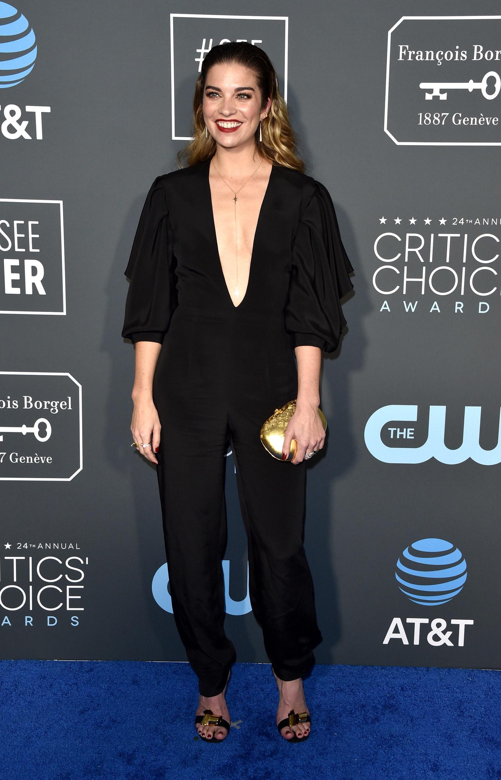 "The Cast Of ""Schitt's Creek"" Looked So Freakin' Good At The Critics' Choice Awards"