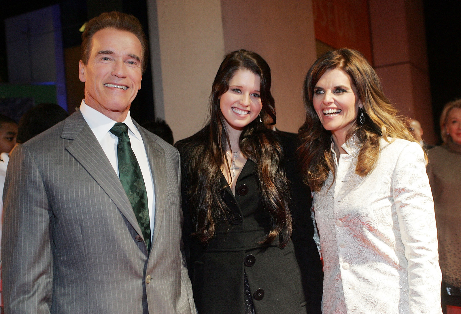 But if her last name rings some bells for you, that would make a lot of sense — her parents are Arnold Schwarzenegger and Maria Shriver. Here they are all together in 2007