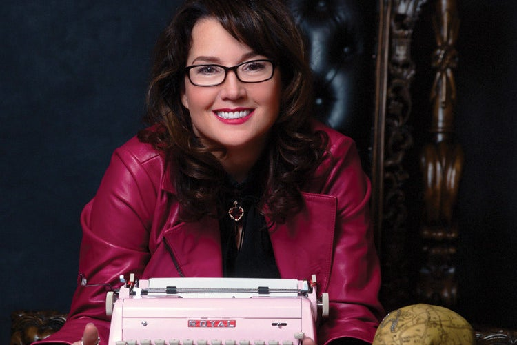 """""""Dark-Hunter"""" Author Sherrilyn Kenyon Says Her Husband Tried To Poison Her To Death"""