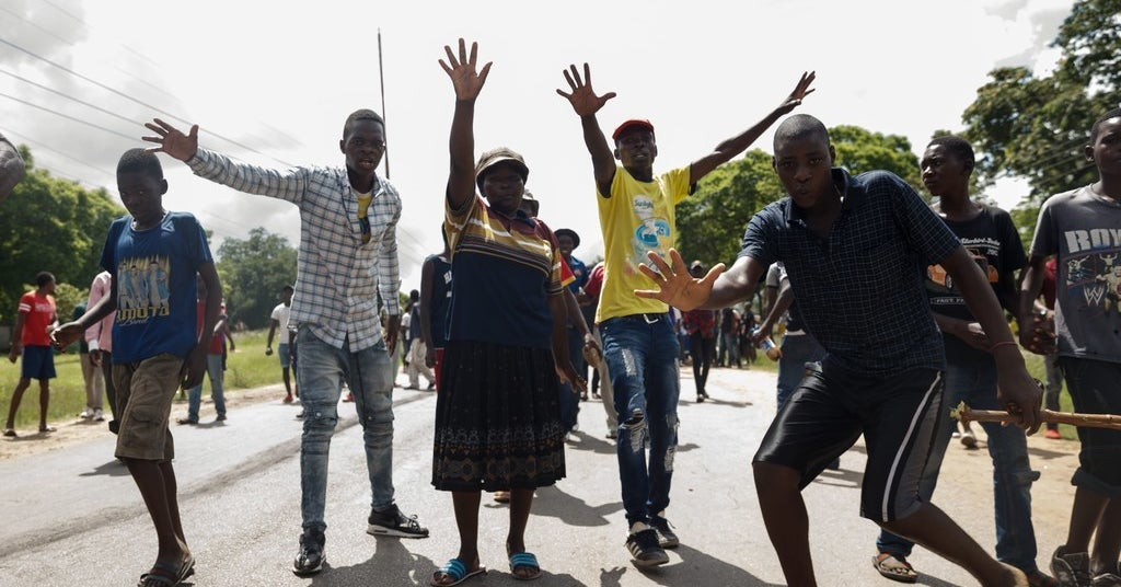 WhatsApp, Twitter, And Facebook Are Completely Blocked In Zimbabwe