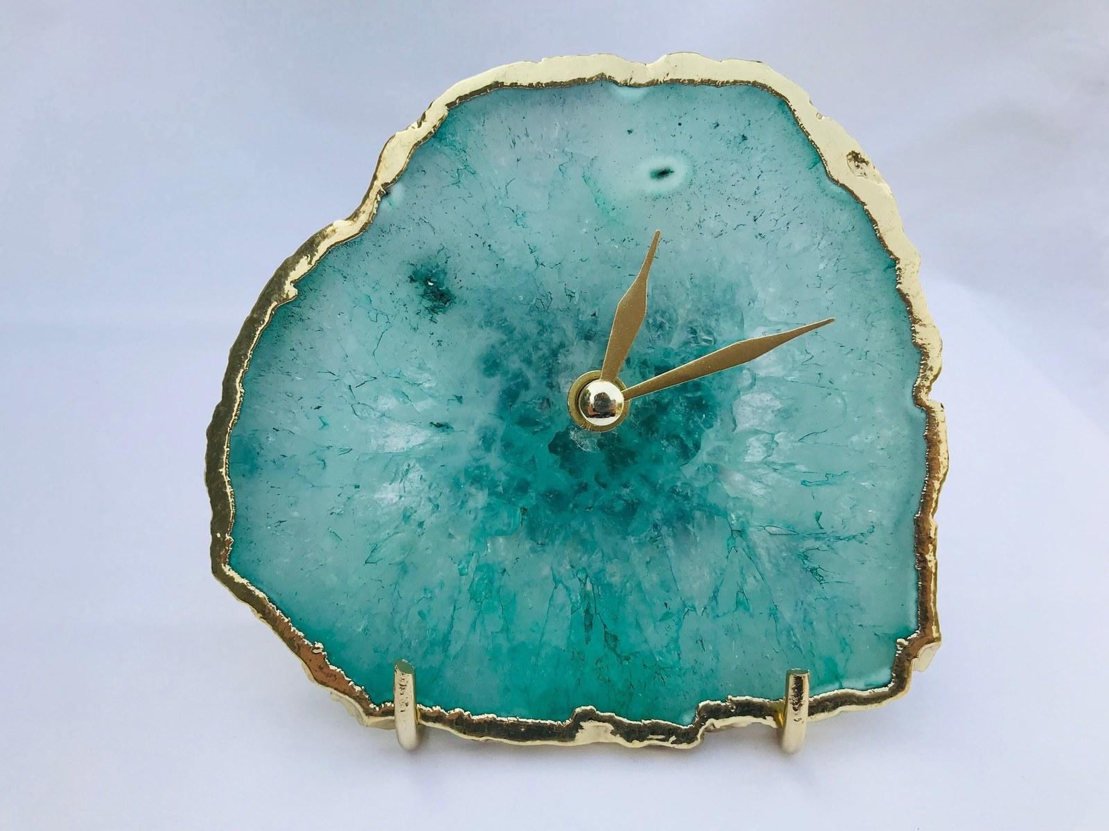 the blue agate clock
