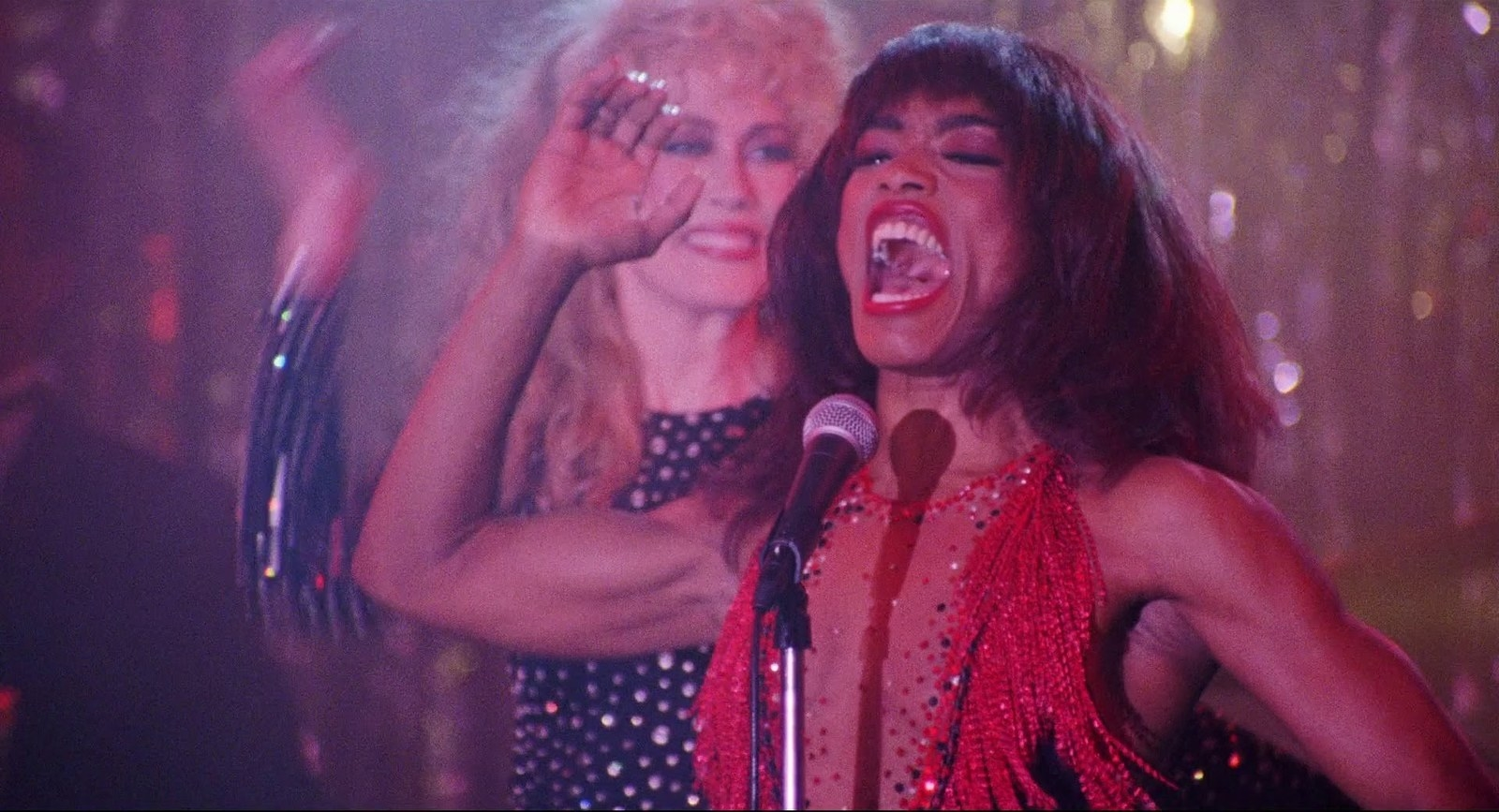 She literally went to the gym for  15 hours a day  in order to star as Tina Turner in  What's Love Got to Do With It , and if that isn't dedication I don't know what is. -  Look at those arms!