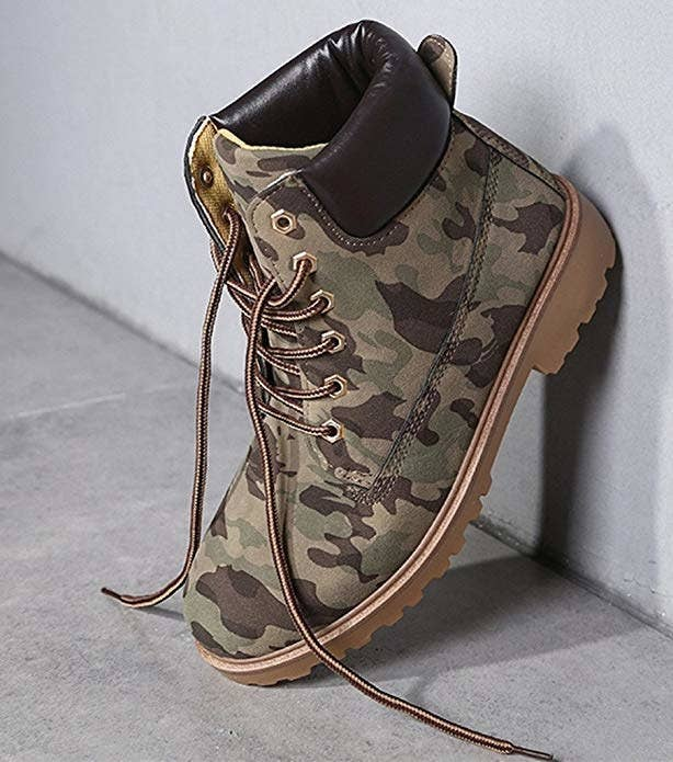 3a1e55a4d2490 17 Pairs Of Water-Resistant Shoes That Still Look Stylish