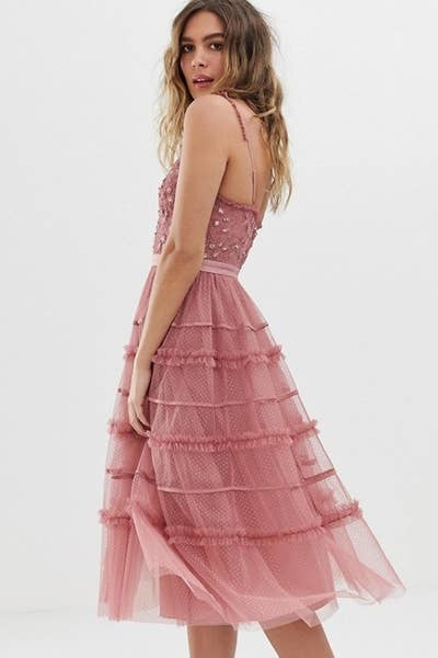 2b431ad74140 And a pink tulle number more romantic than watching a Nicholas Sparks movie  on the beach at sunset while sipping champagne and eating strawberries.