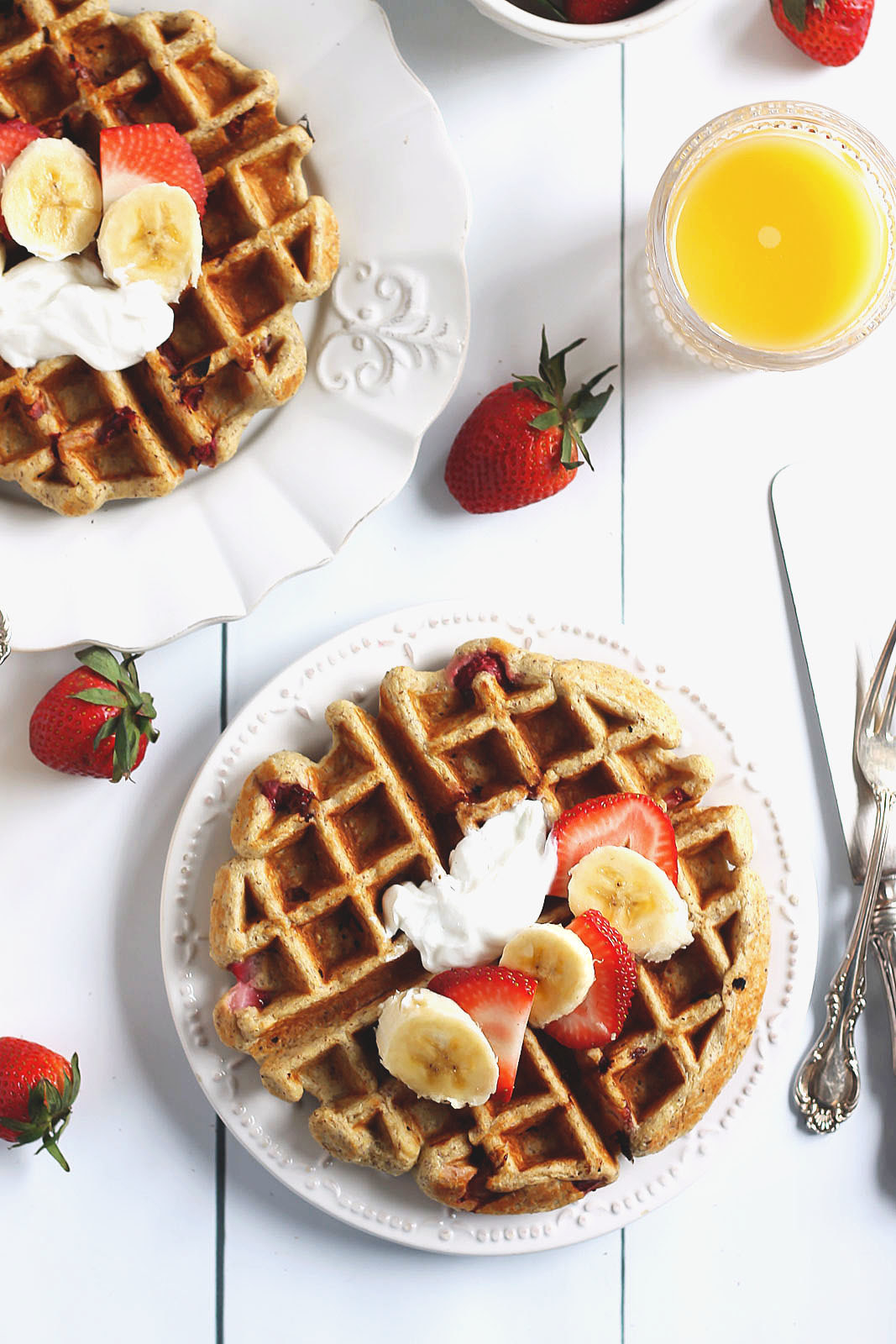 It's Sunday, baby. Go ahead and sleep in. Then treat yourself to waffles made with old fashioned oats, banana, and plain yogurt.