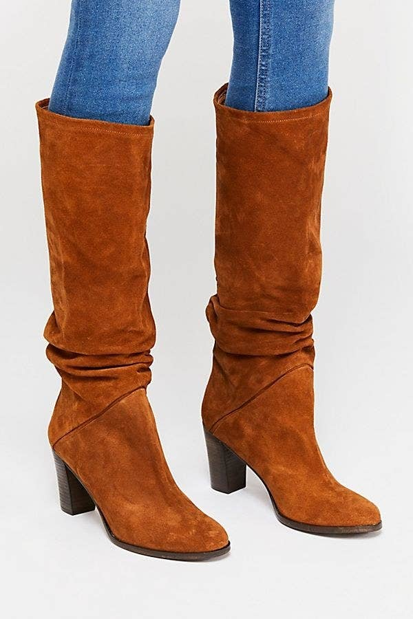 7ee3c3b6278 Tall suede boots to wear for everyday vintage style.