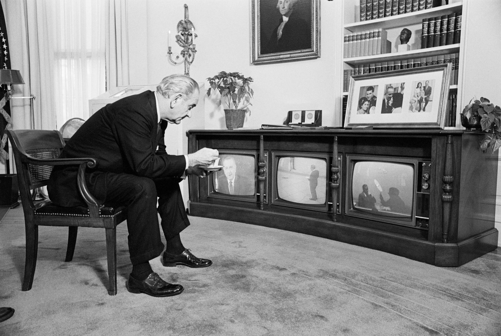 1968 President Johnson, like millions of other Americans, sat glued to his television sets on Dec. 27 during the critical stage of the Apollo 8 mission in which astronauts Frank Borman, James Lovell, and William Anders splashed into the Pacific at the end of their epochal voyage around the moon. The president sipped a cup of tea as he watched.